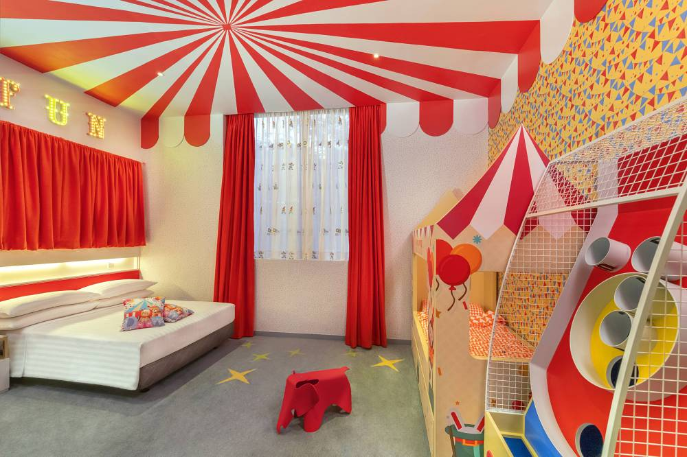 animal_circus_themed_room2.jpg